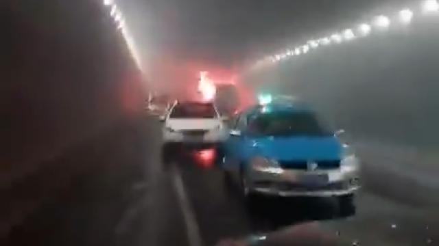 火燒車!幼兒園校車隧道突起火 5名韓籍、6名陸籍幼童罹難