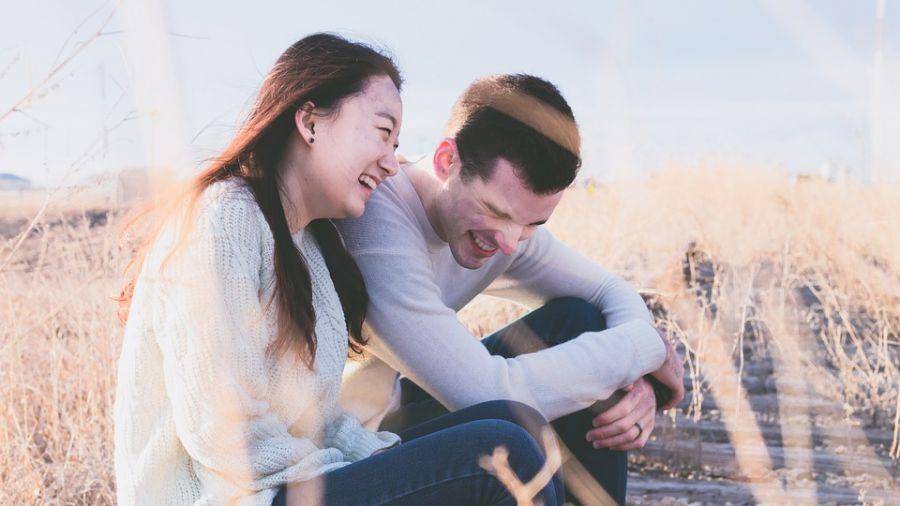 伴侶要挑「相似」還是「互補」?心理師這樣說