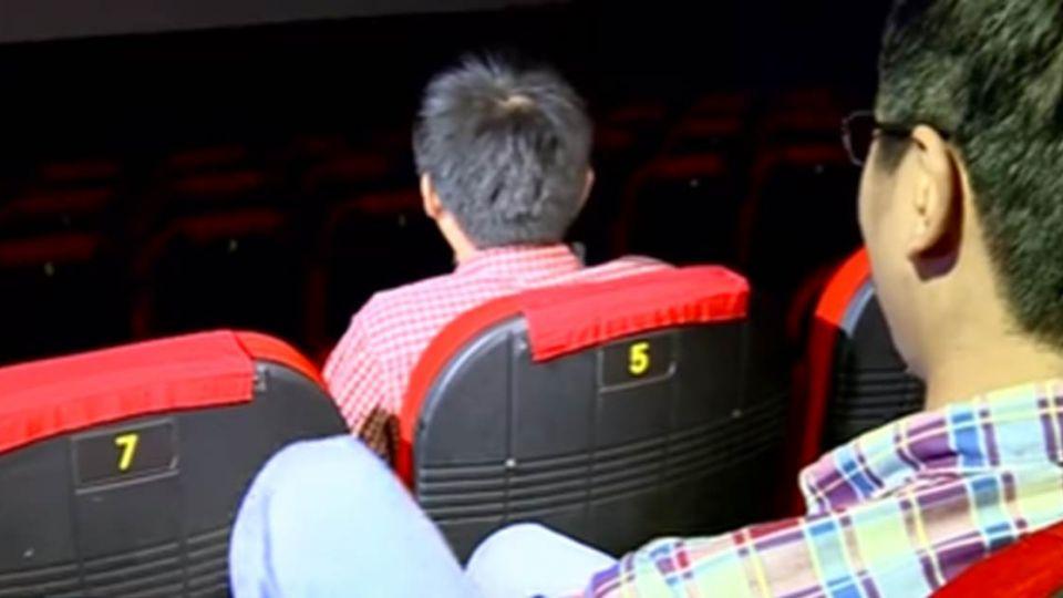 悚!西門町這間電影院「陰陰的」 她們沒看完就嚇到往外衝