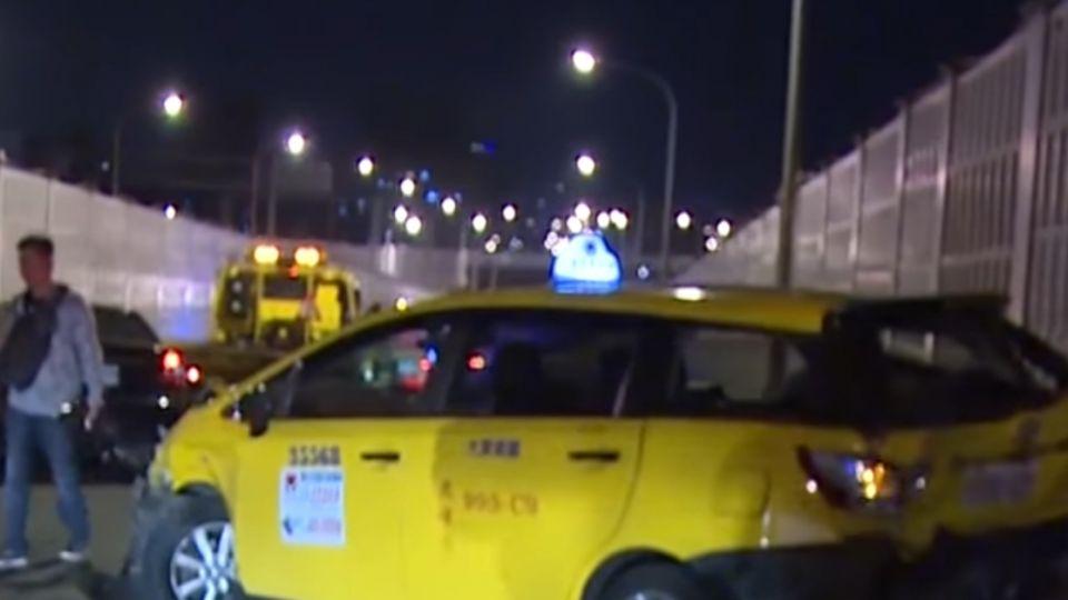 小黃拋錨下車放警告標示 運將遭後車追撞重傷