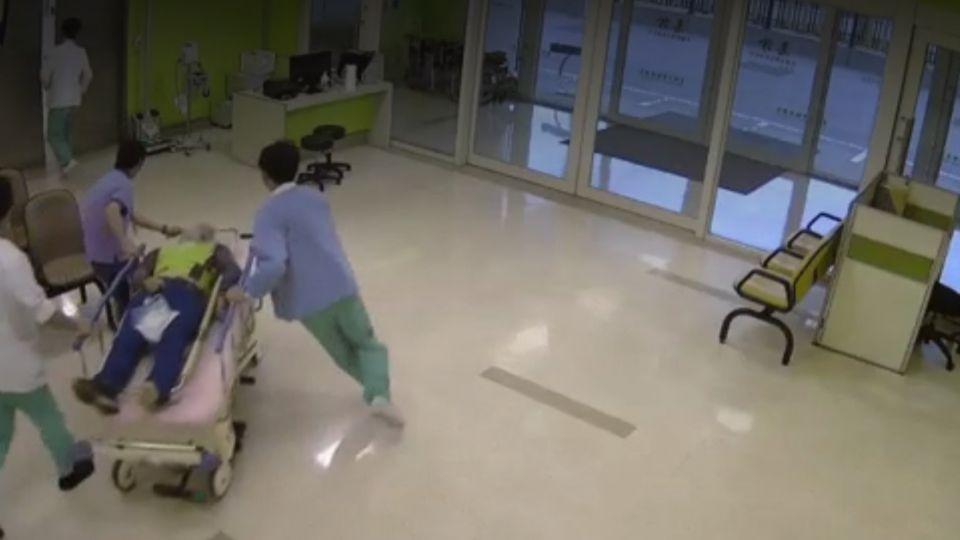 又是酒駕!遭醉婦追撞拖行30公尺 清潔隊員無法陪母過節