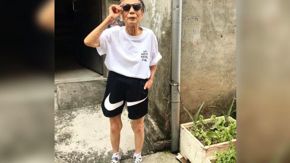 88歲阿嬤潮到出水!拍FB網美照電翻一票網友