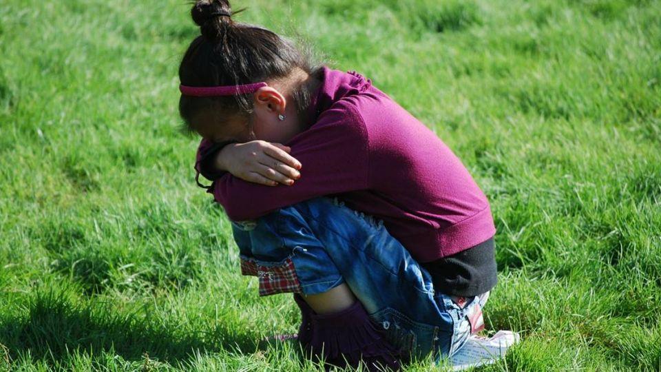 「趁母外出」繼父長期性侵 !印10歲女童慘懷5月身孕