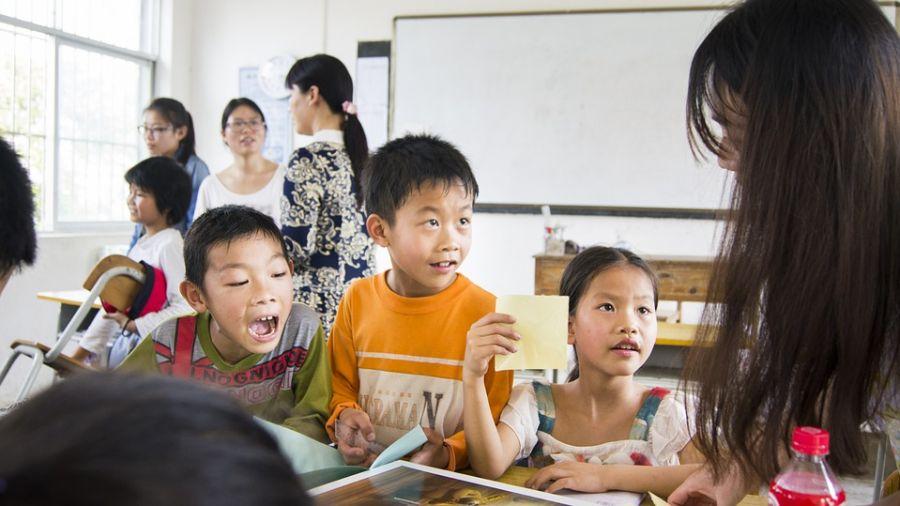 給小孩帶糖果去學校交朋友?家長千萬別再這樣做!