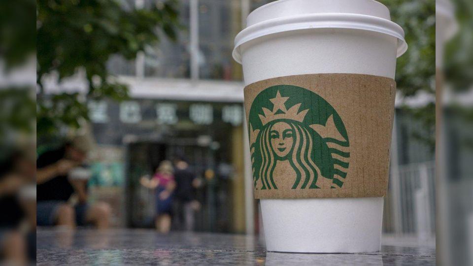每月80個投訴!她買咖啡「杯蓋彈開」燙傷留疤 星巴克要賠300萬