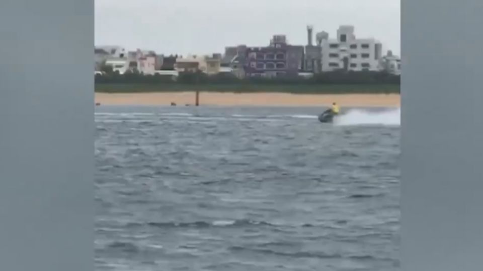 水上摩托車跨海嘉義-澎湖 民眾海釣直擊