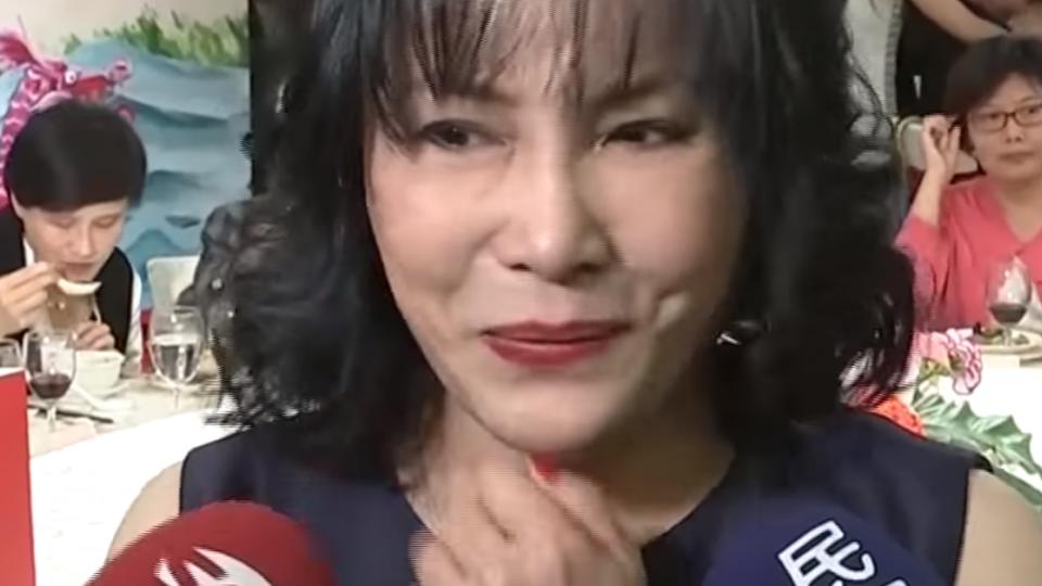 「你是演藝圈調皮鬼」 李亞萍淚憶豬哥亮