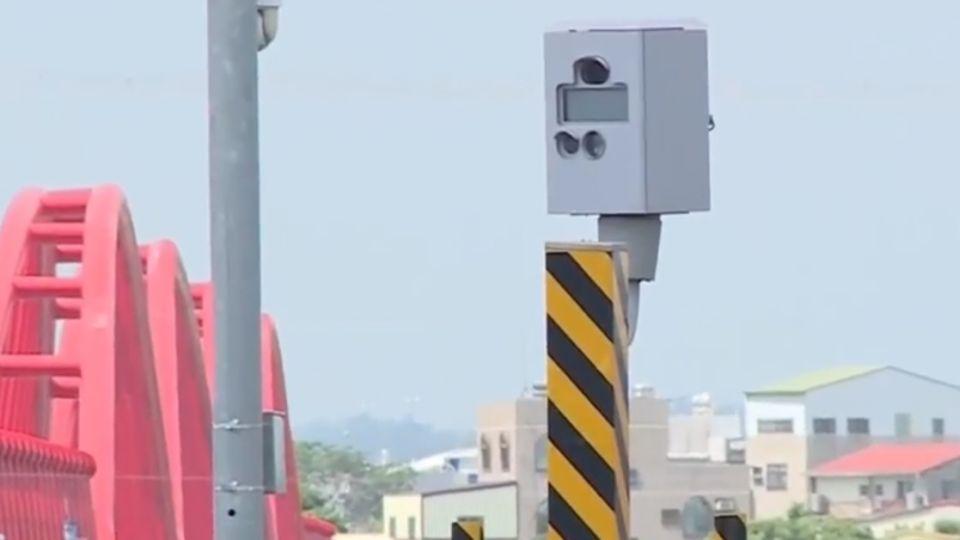 不知測速照相轉向 民眾一周接七張罰單
