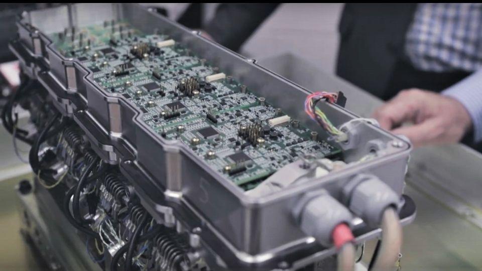 【影片】汽油引擎比柴油還省!? 電子化引擎最快兩年後推出