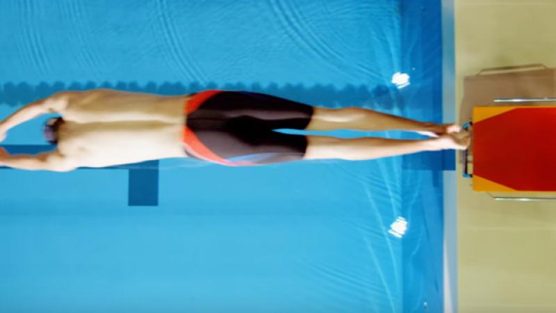 糗了!世大運影片游泳選手遭踢爆 竟是「籃球員」上場