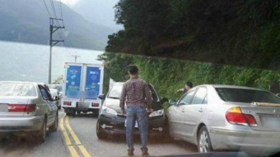 三寶麥來亂!蘇花公路下午剛搶通 「逆向車禍」又塞住了