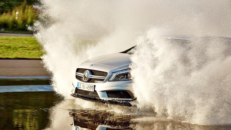 跟拋錨說掰掰 水淹輪胎過半別冒險通行