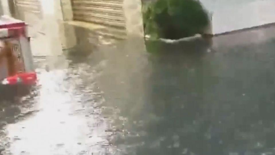 金山老街水淹膝蓋 知名鴨肉攤公休一天
