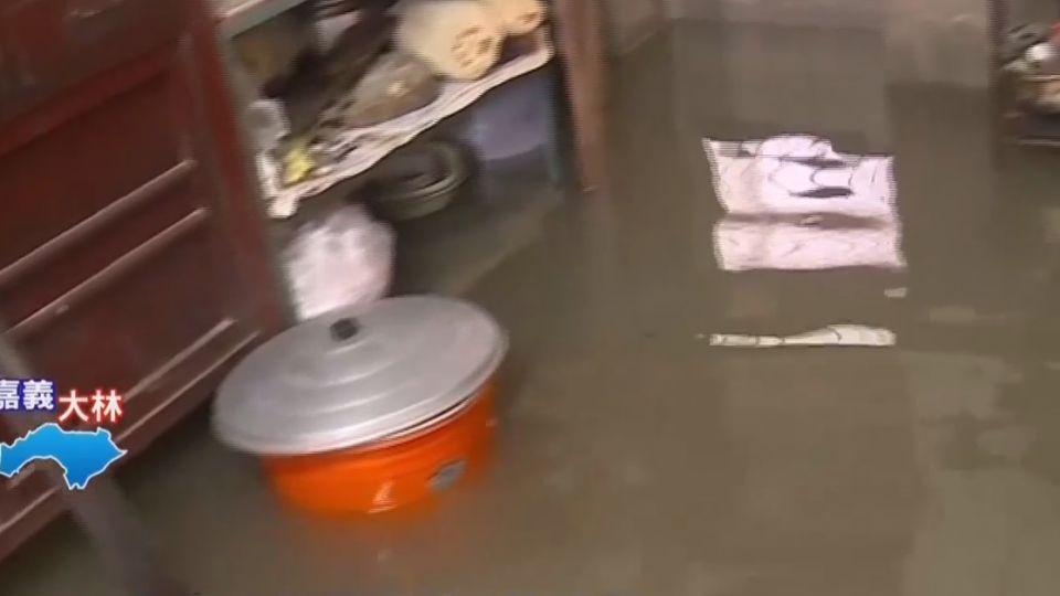 嘉義大林陳井寮水淹全社區 家當全泡水裡