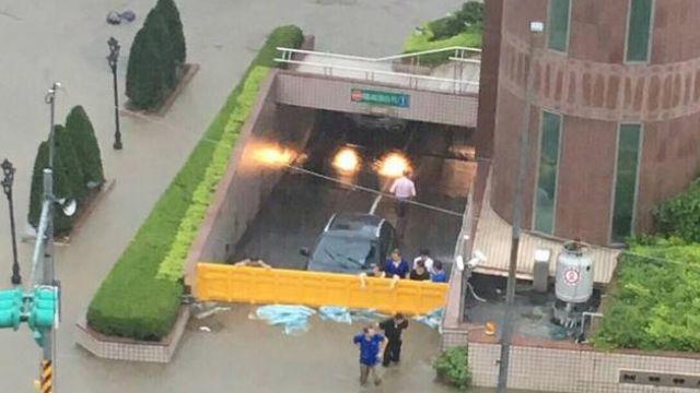 一場暴雨讓納智捷U6變車神 「一車當關」擋水照被讚翻