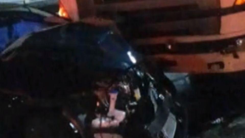 怎開的? 轎車國道逆向 慘遭聯結車猛撞