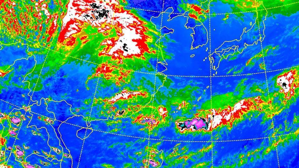 豪雨特報全台警戒 吳德榮:「這天起」天氣好轉高溫飆35℃