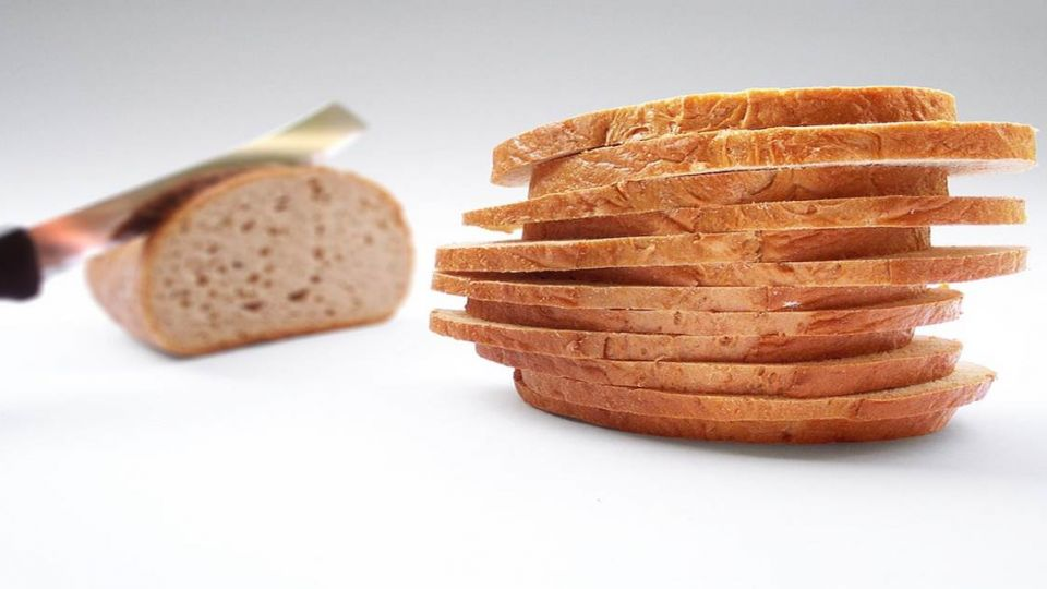 「我長大要做這個!」童見麵包店員切吐司 母斥:這是下賤工作