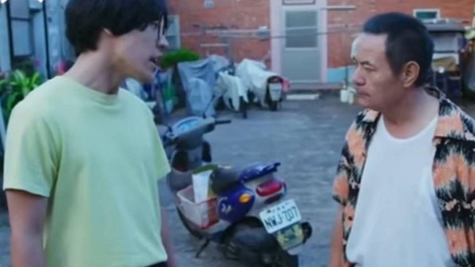 【獨家影片】破500萬人看!盧廣仲、蔡振南互罵 小巷弄暴紅