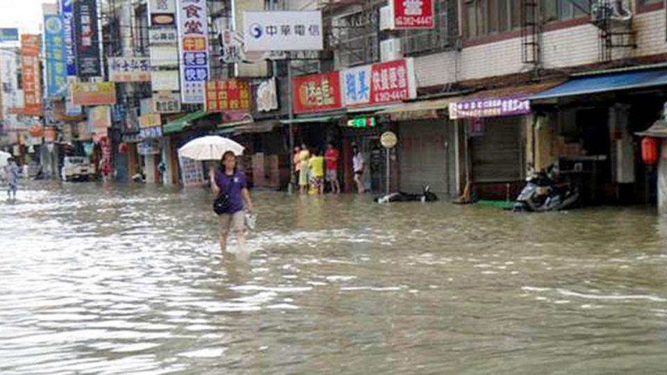 豪雨壓力測試慘 新北改善防洪標準