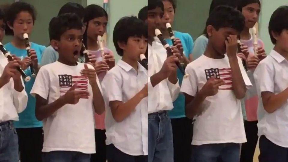 糗!「空氣直笛」男孩 演出忘帶樂器意外竄紅