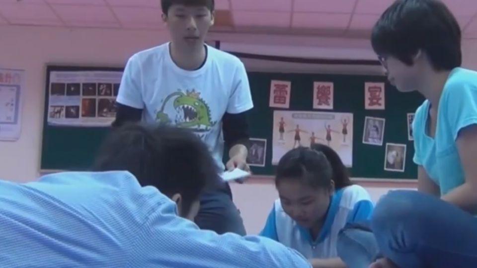25歲陳冠齊才華洋溢 「2013年你好嗎?」獲好評