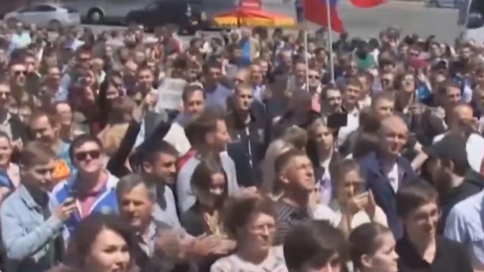 「反普丁遊行」遍地開花 俄政府逮捕近千人