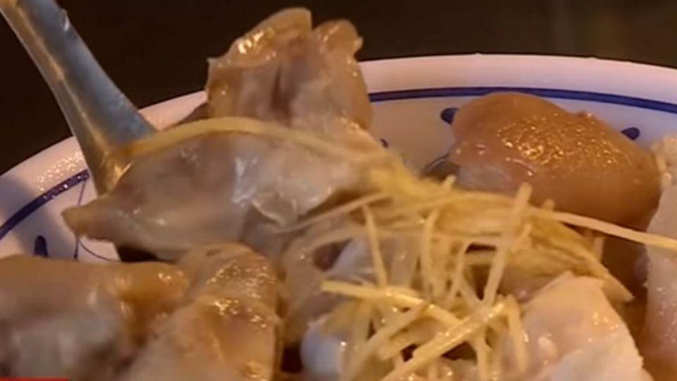 【獨家影片】台式美味主角 豬腳「黑白雙吃」