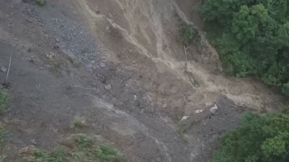南投小半天瀑布 土石流阻擋形成「堰塞湖」