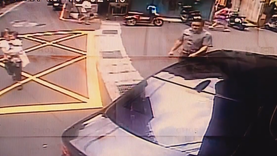 前政院顧問違停擋路 店家批「地方惡霸」挨告不起訴