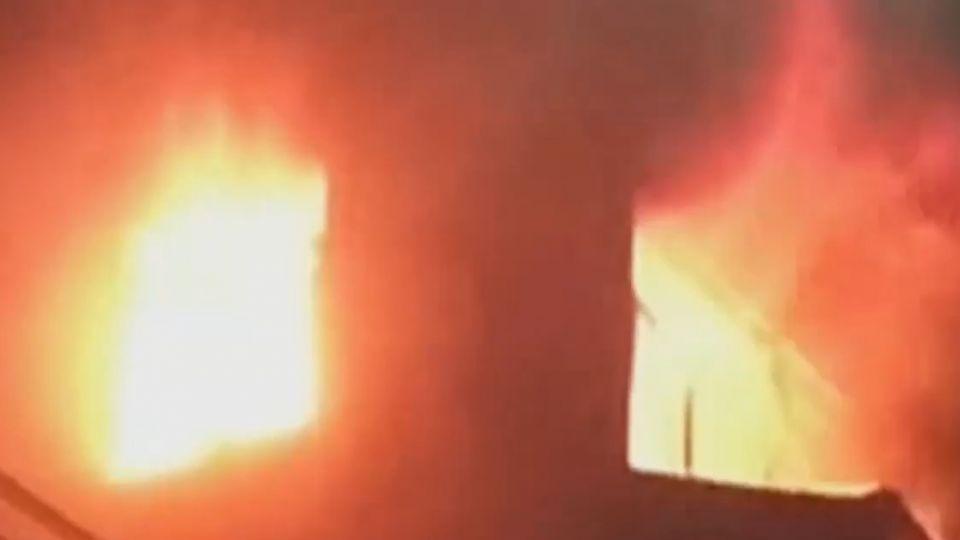 「玻璃炸裂砰砰響」 鄰迪化街商圈 民宅4樓大火