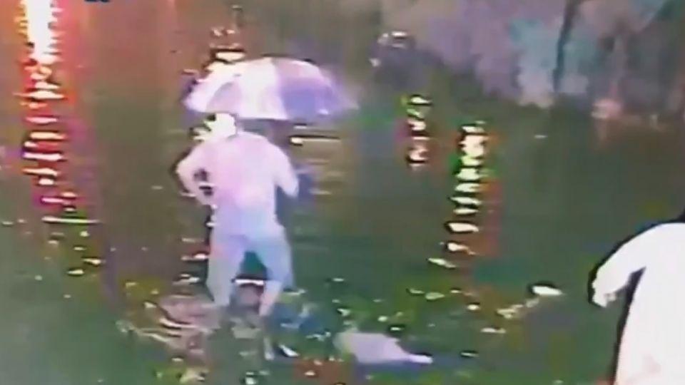 豪雨肆虐中台灣 彰化鹿港老街淹水高過小腿