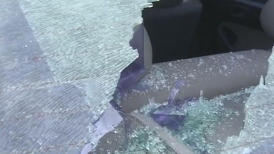 像在打地鼠 連砸14輛車玻璃 警緝兇