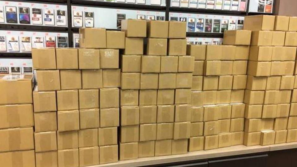 包裹滿出櫃台!超商店員「條碼差點刷到往生」 同業直呼:我們更慘