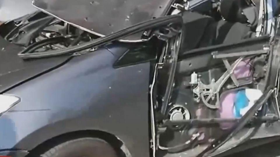 瞬間爆炸!小客車遭炸毀 駕駛點菸釀禍