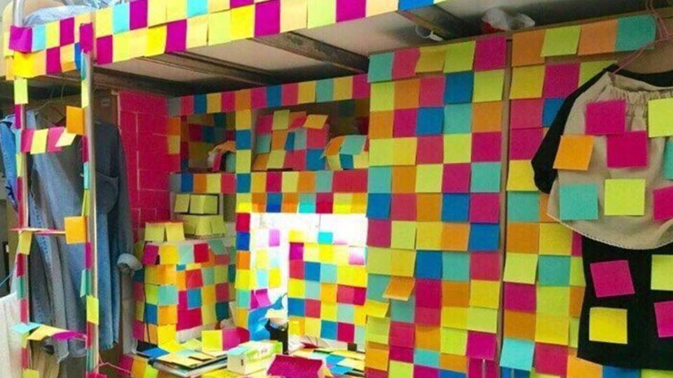超狂寢室!室友過生日 桌面、床鋪被「被浮誇」 網:不推不行