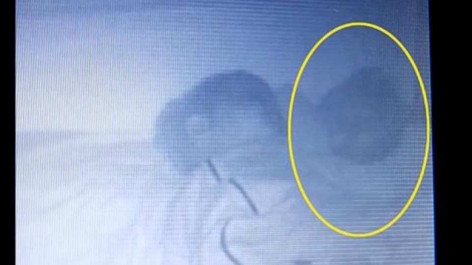 監視器拍兒子身旁多一嬰 進房看…背脊發涼