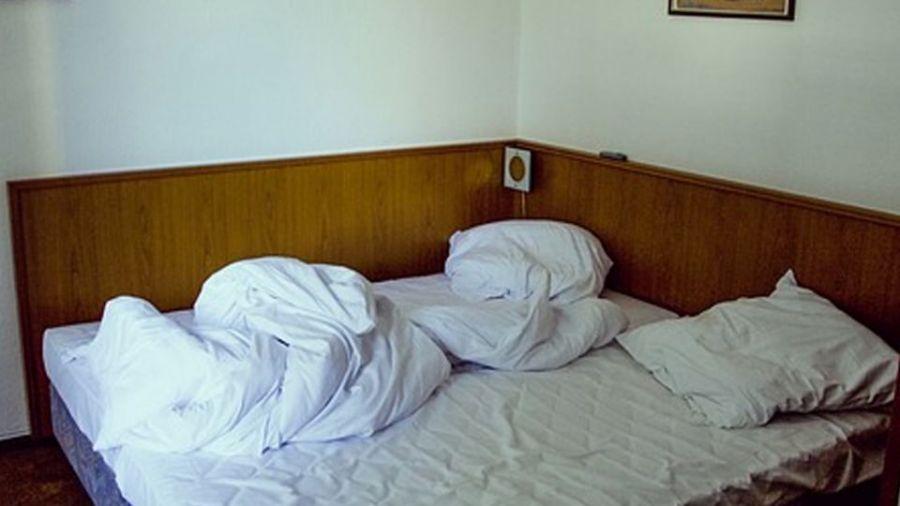 惡軍官深情為重病妻祈禱 竟在床邊「性侵女看護」