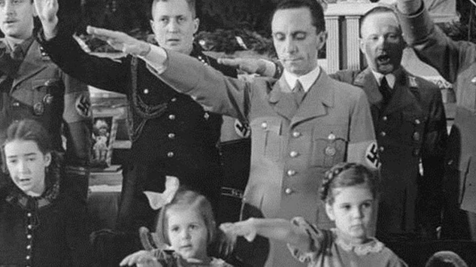 洗腦行銷! 希特勒宣傳長戈培爾的「藉假修真」品牌策略