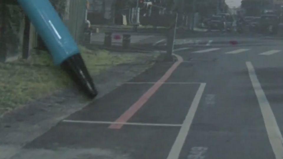 路邊停車格劃紅線 網友:假車格真拖吊