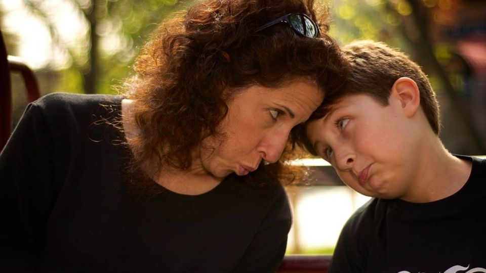 去兒子畢典被當陌生人…母難過哭紅眼被他嗆「玻璃心」
