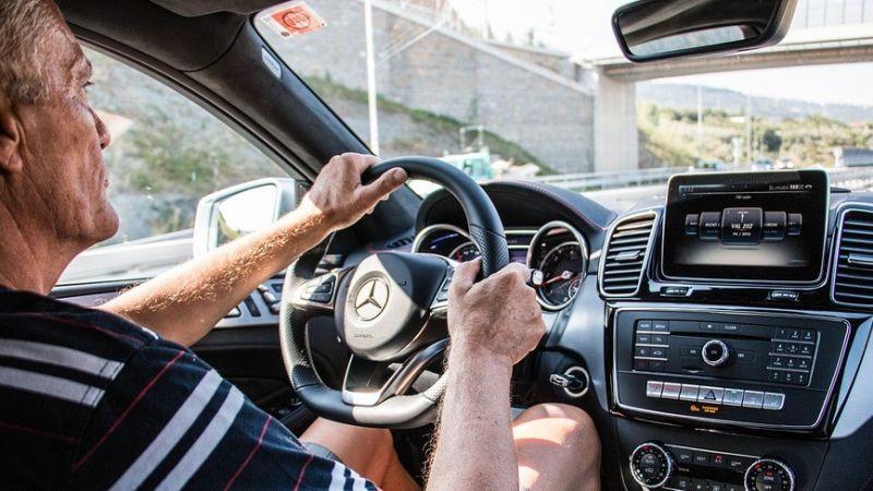 7月起強制75歲以上駕駛人體檢 違規者最高罰3600