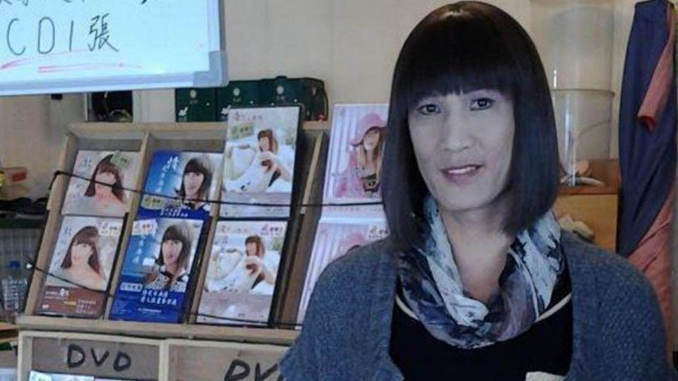 台灣第1位變性歌手! 唐飛今早過世了