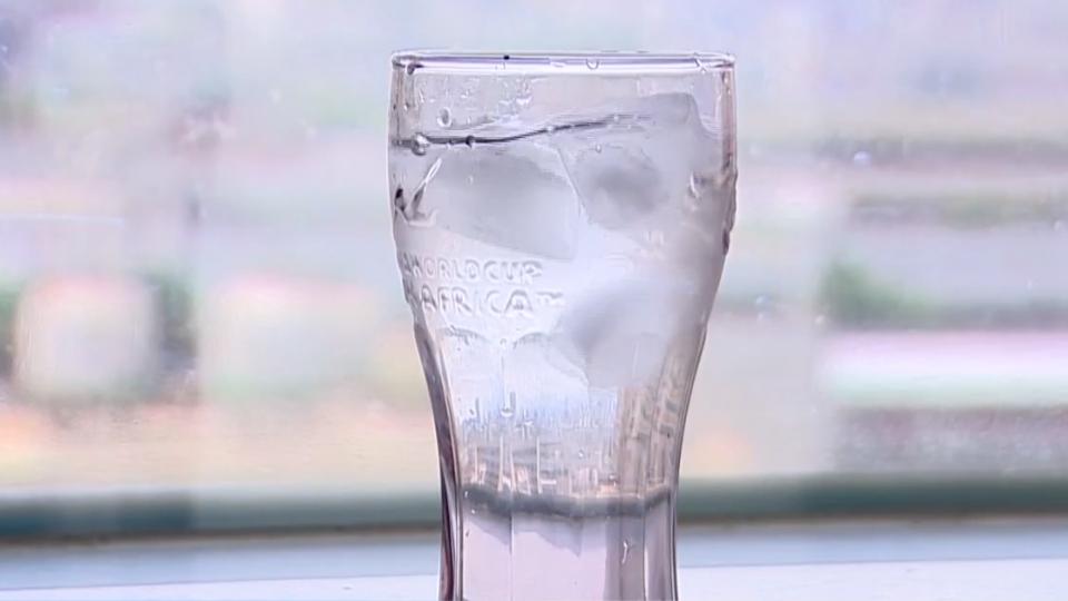 消暑別這樣!沖冷水、喝冰水 血管縮易不適