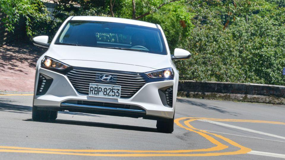 平價油電車時代來臨!? Hyundai Ioniq Hybrid試駕
