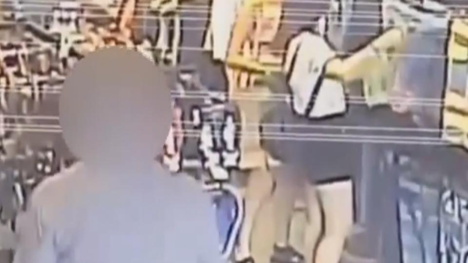 遇「攝狼」?要女店員彎腰 客人遭控借機偷拍