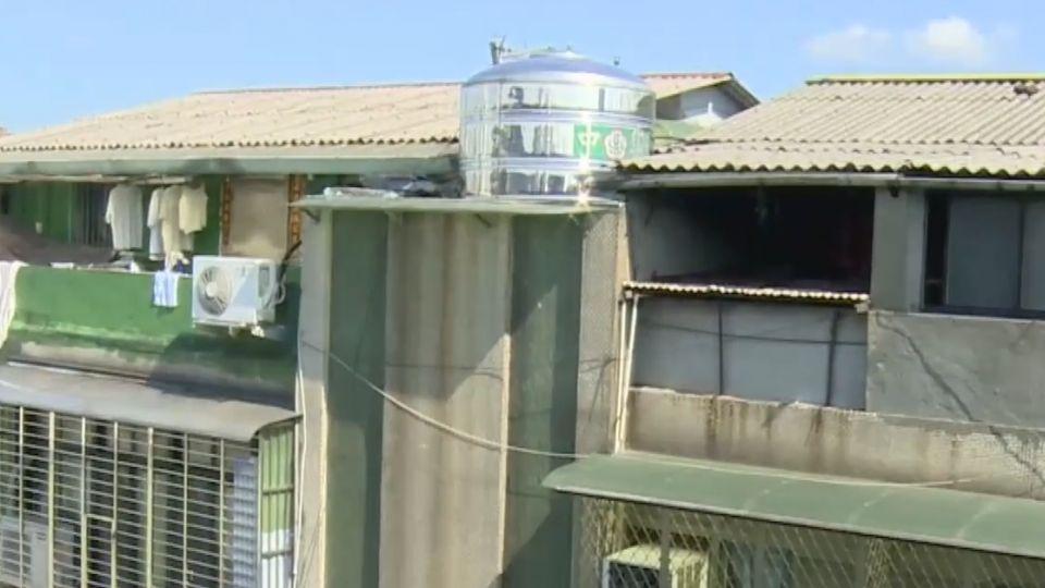 頂樓加蓋藏危機 電線老舊亂拉、建材不防火