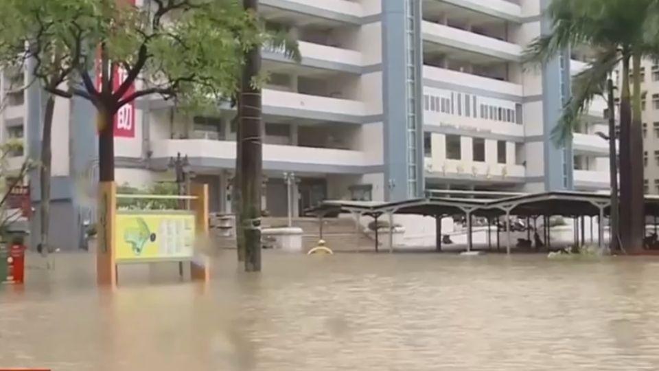 暴雨襲擊台南 中華醫大、崑山科大成汪洋