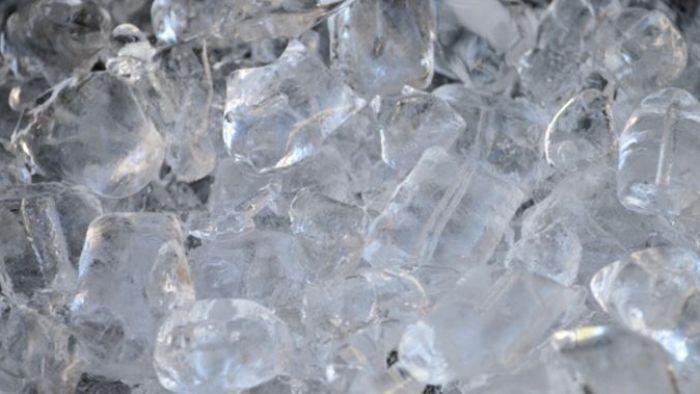 手搖杯「冰塊量」大揭秘 網友:買飲料還買冰?