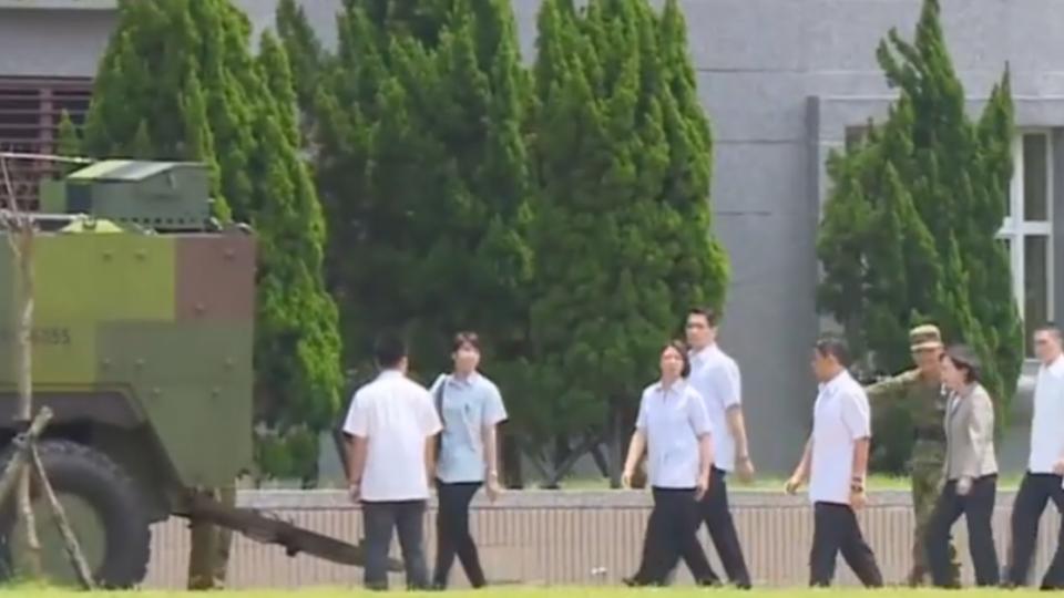 蔡總統首次政軍兵推 傳模擬元首車隊遭突襲